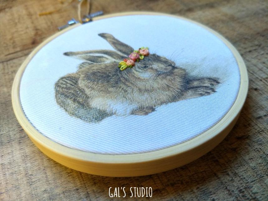 galstudio Easter hare side